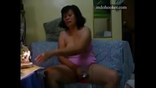 Horny MILF squirting near the light 2