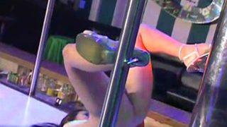 THAI BAR GIRL NAKED POLE DANCE
